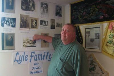 Grandson of Lyle founder visits Twin Bridges Museum