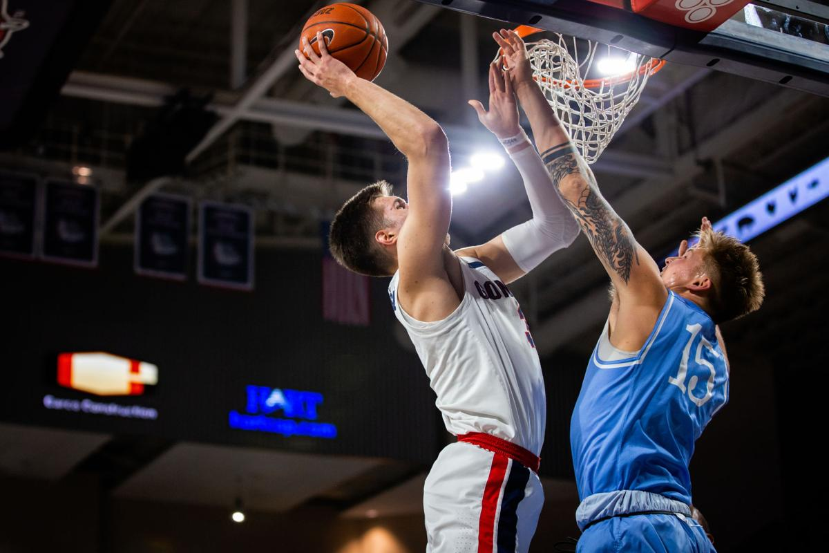 Mens basketball: Gonzaga steamrolls USD for a WCC championship