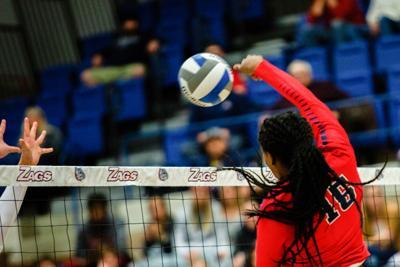 20191125 Volleyball v.University of Portland - LKaneshige 020