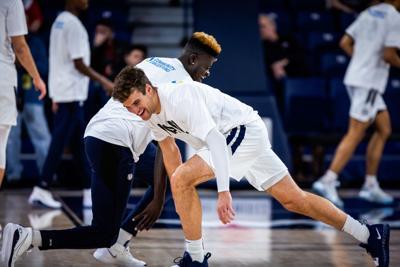 Basketball stretching photo