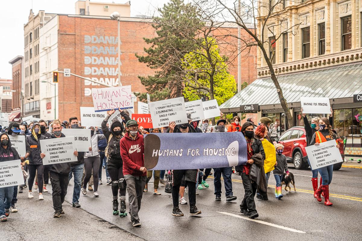 Zags stand in solidarity with unhoused at Humanizing Spokane march