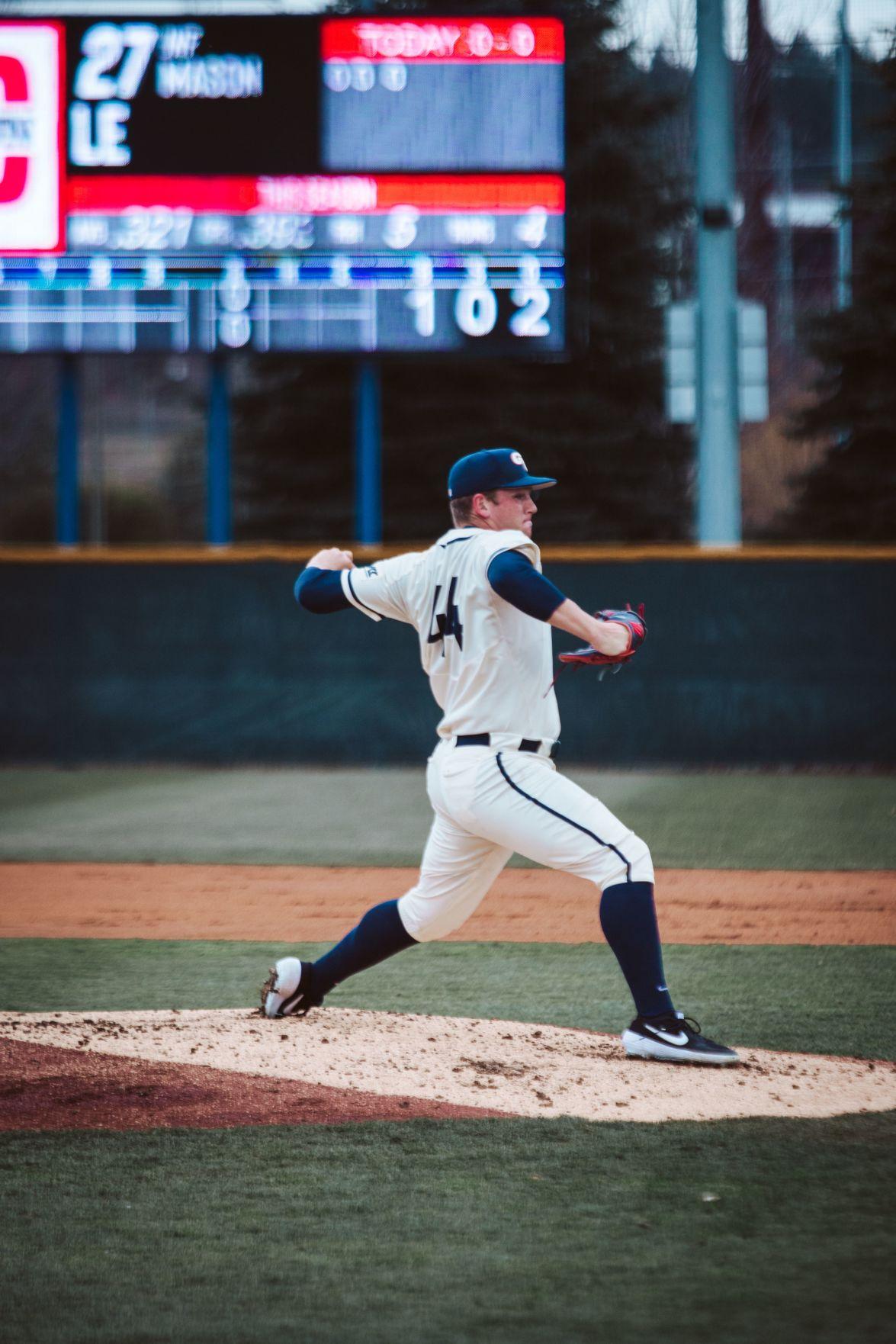 Baseball: Gonzaga's bats slump as CSUN wins 4-3 in 10 innings