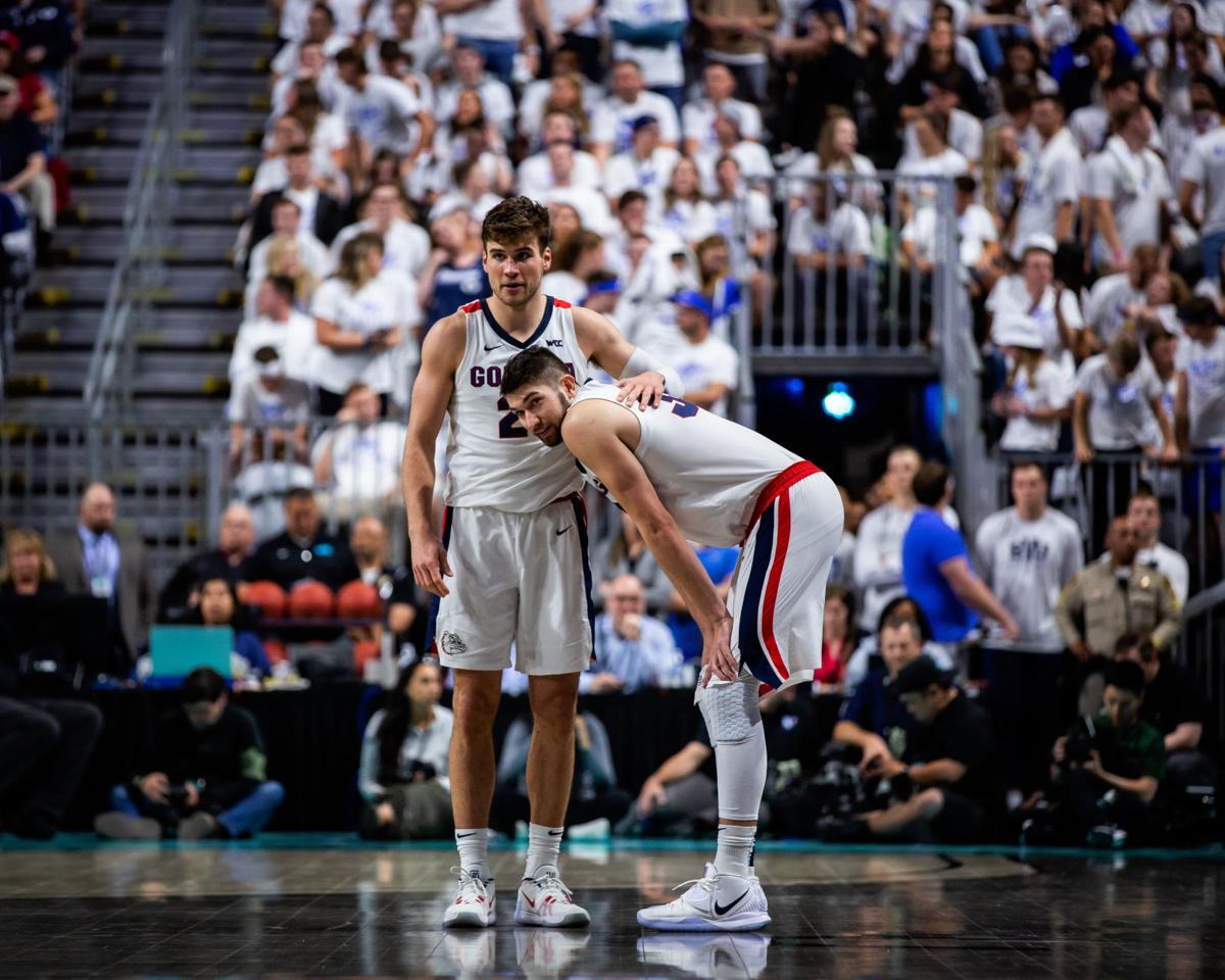 Men's basketball: Gonzaga withstands USF to advance to final