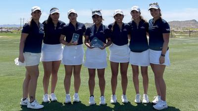 women's golf wins invitational