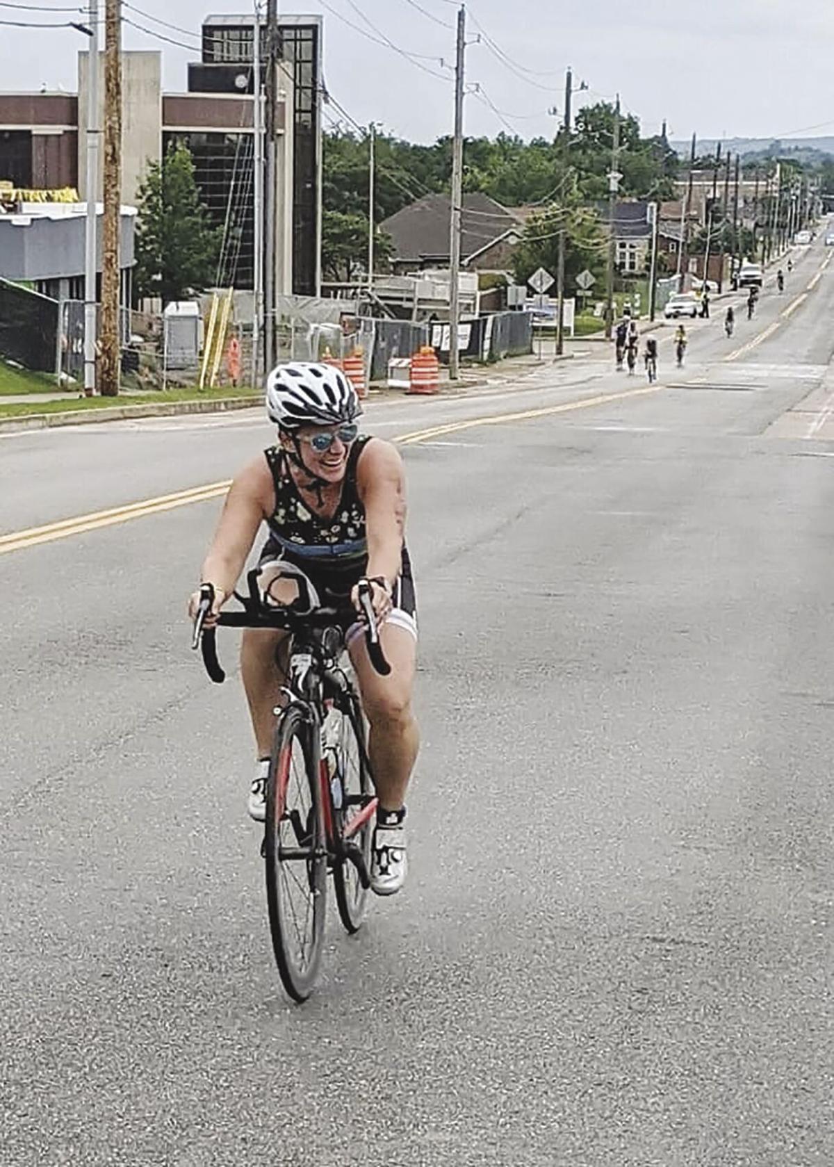 1 - Jackie bike - COLOR.jpg