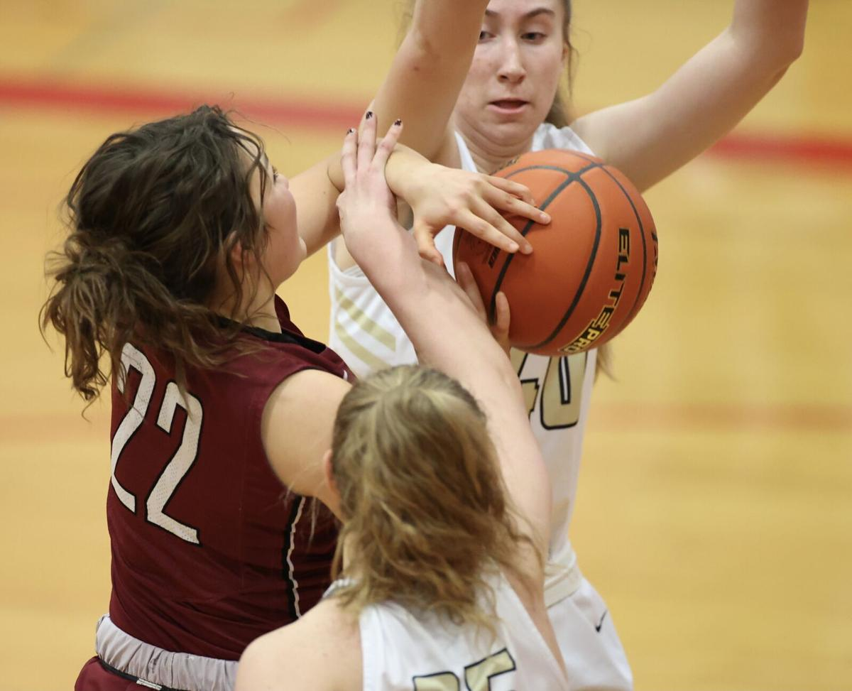 Second quarter run spells trouble for Lady Swedes