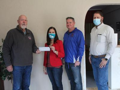 Masons Make Donation To Schools
