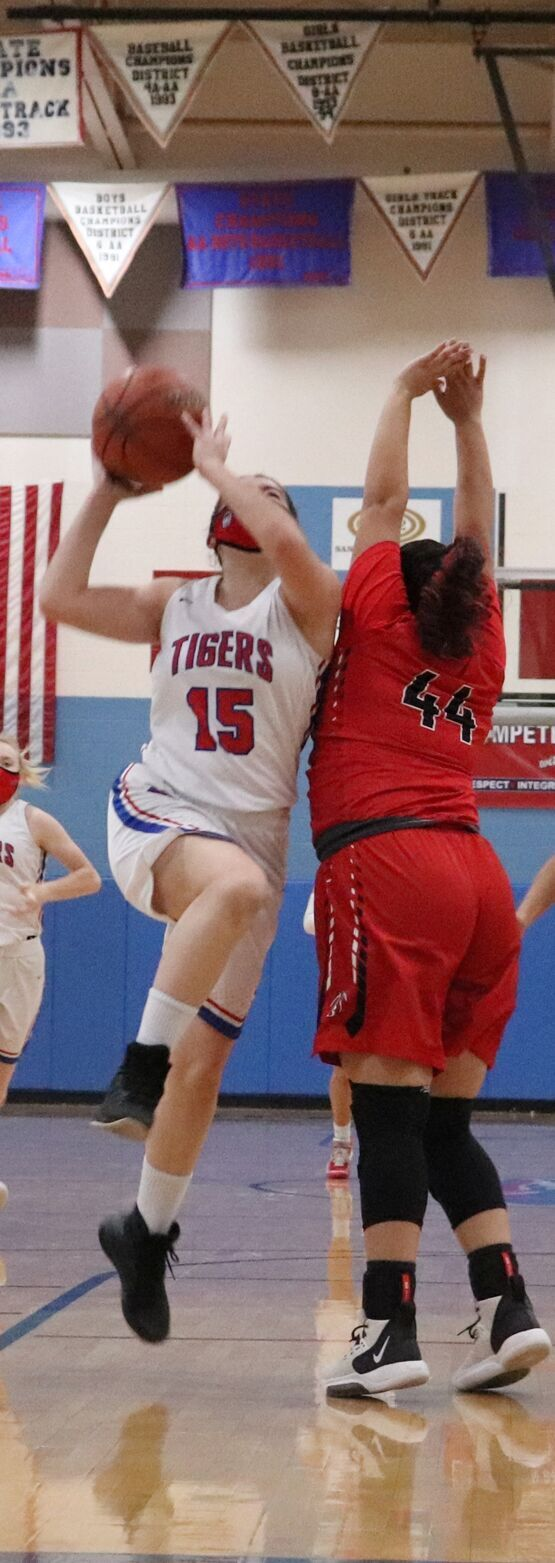 HS Girls BBall Alicia Gonzales.tif