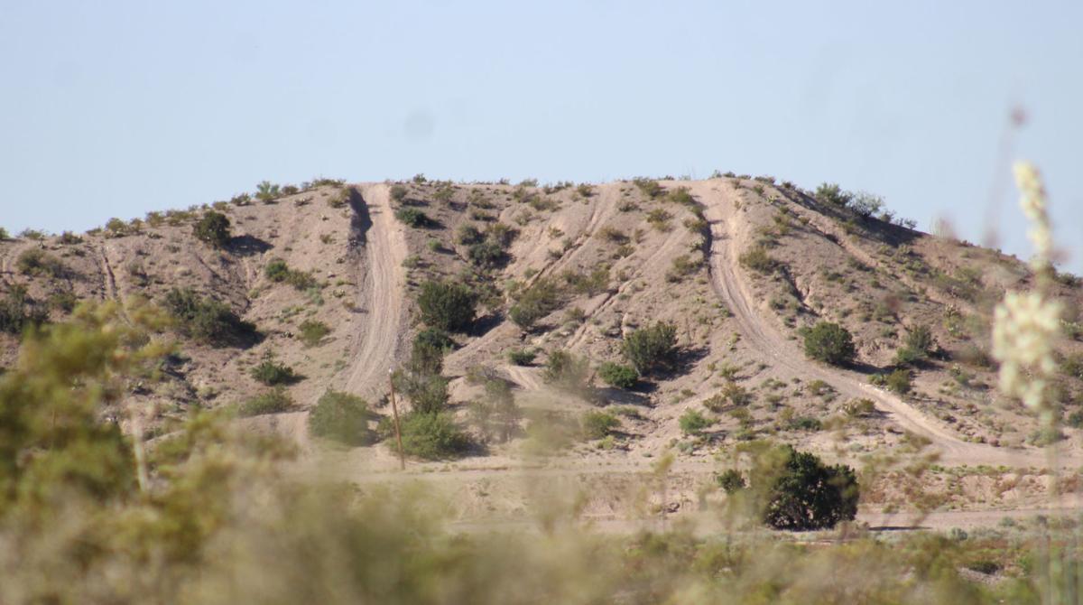 IMG_2292.JPG-WIT racetrack hill.JPG