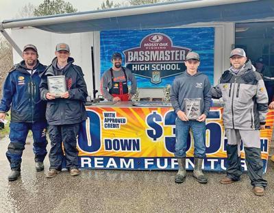 Washburn anglers hook Big Bass award in  Bass Pro tournament