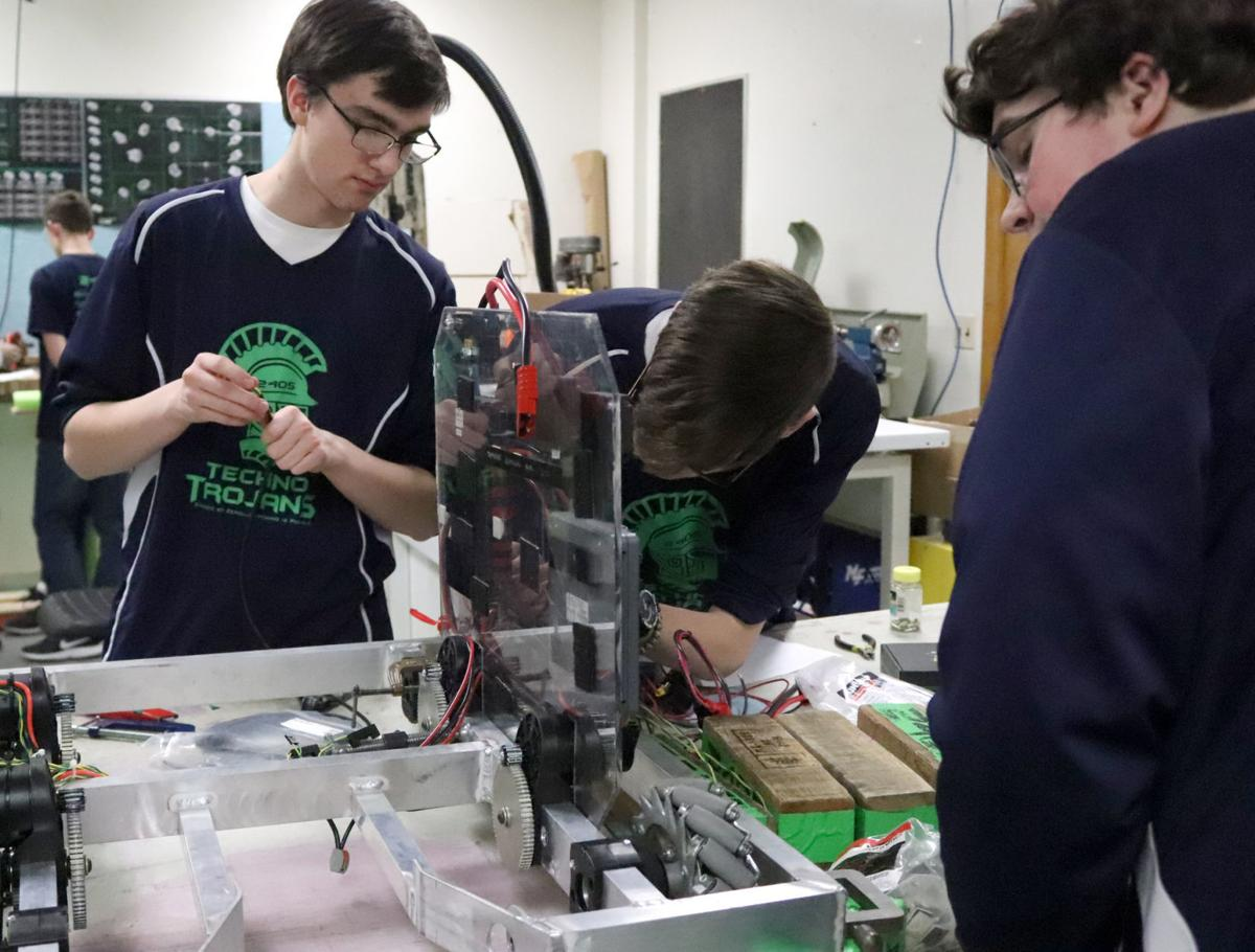 1 FRUITPORT ROBOTICS.JPG