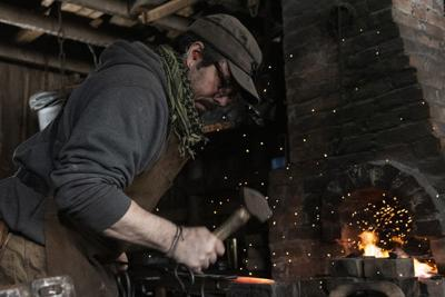 Kalamazoo bladesmith forges uncommon career in ancient discipline