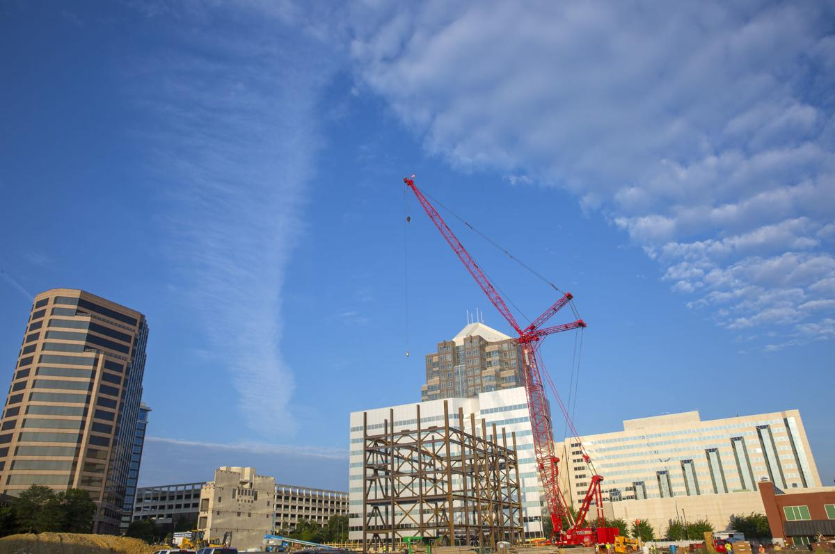 20180826g_nws_progress_tanger_wide clouds and crane