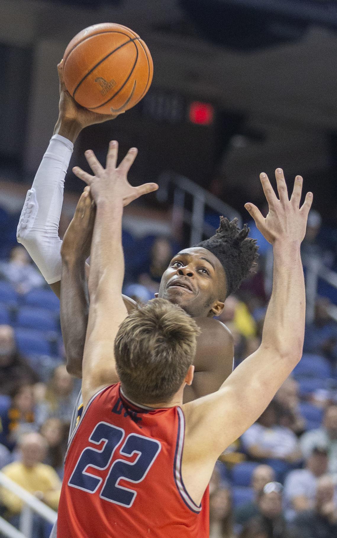 UNCG Samford basketball (copy)