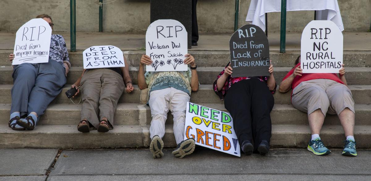 People gather to support Medicaid expansion