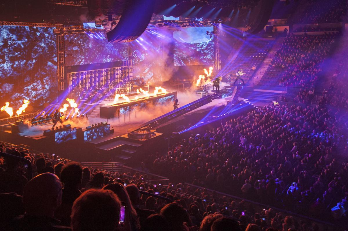 trans siberian orchestra brings back fan favorite the ghosts of christmas eve entertainment. Black Bedroom Furniture Sets. Home Design Ideas