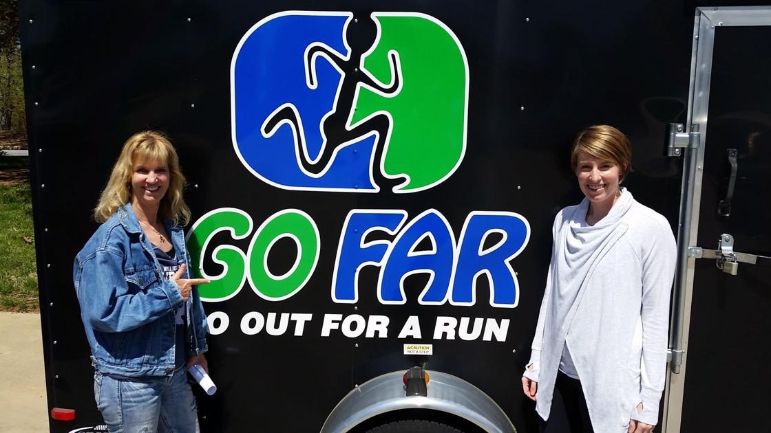 The Running Shorts Show, Episode 13: Robin Lindsay and Sarah Beth Davis (video)
