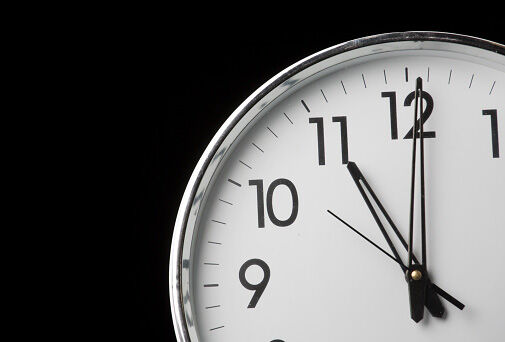 11 pm clock generic