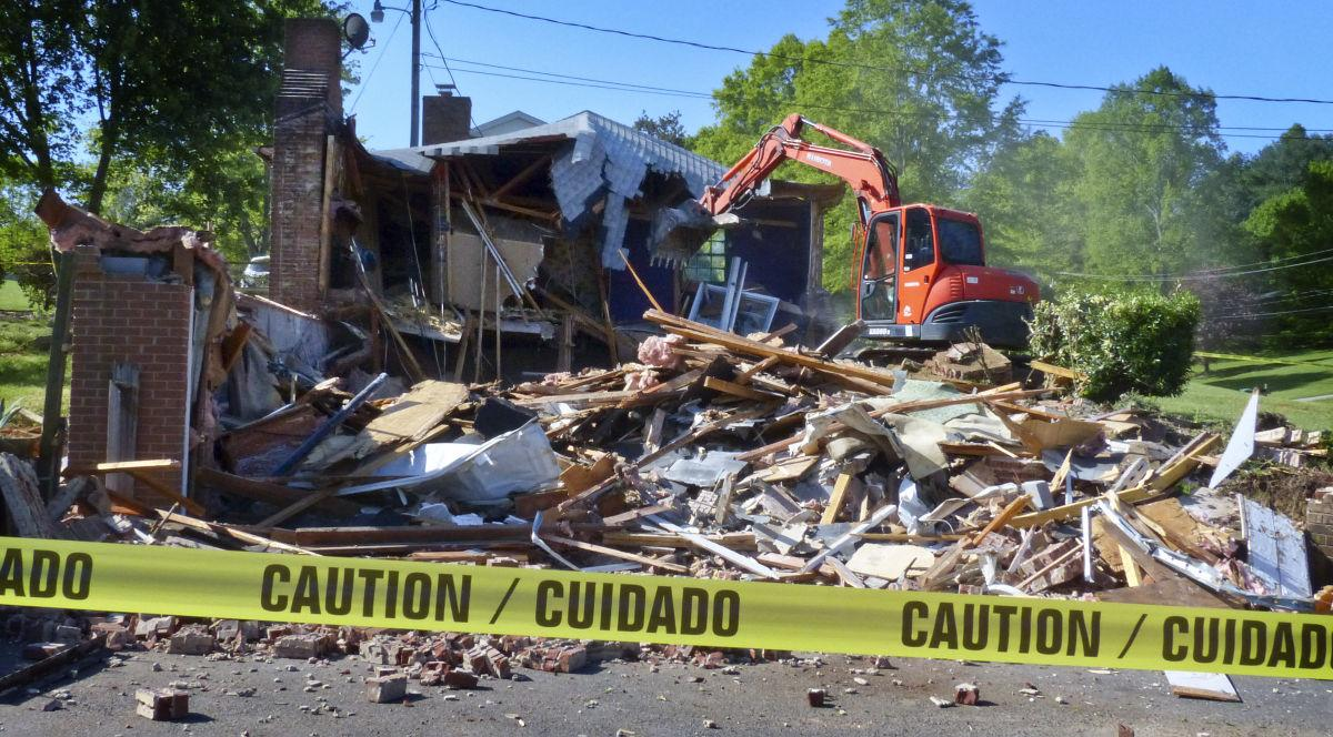 clemmons house where human remains found is demolished video