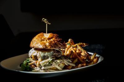 1618 Downtown Blended Burger