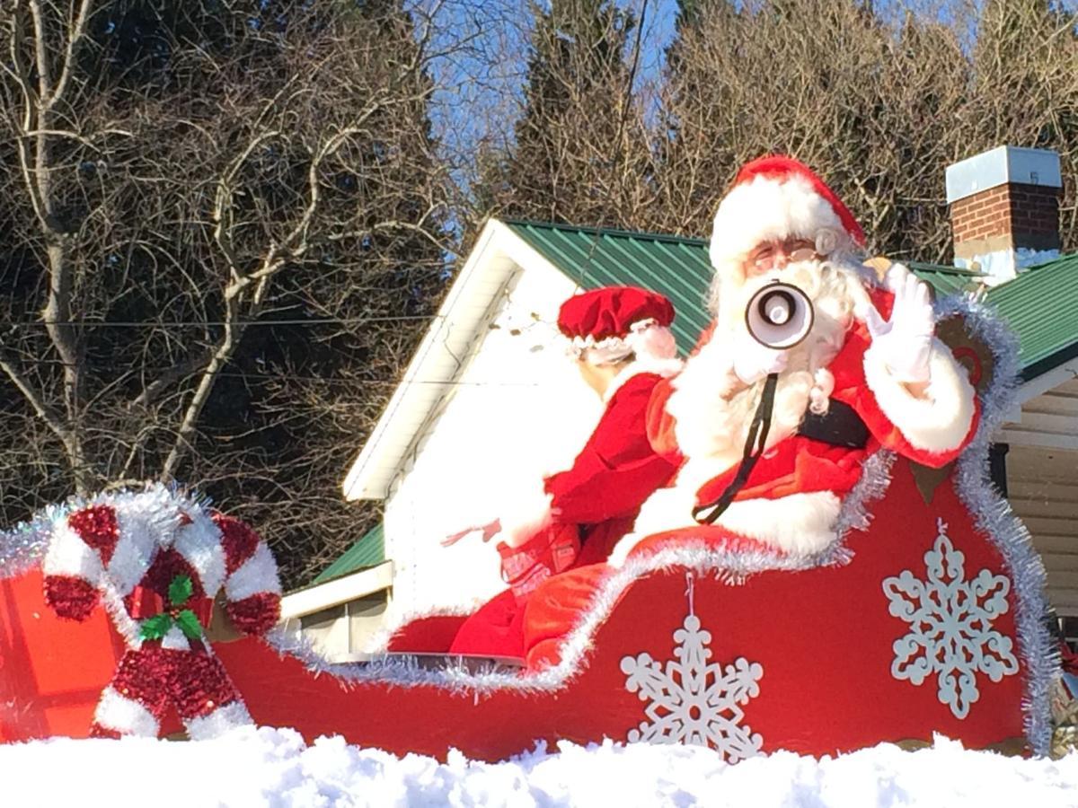 Madison Nc Christmas Parade 2021 Santa Hits The Streets For Madison Mayodan Christmas Parade Latest News Greensboro Com