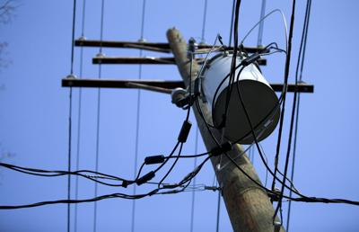Sunset Hills couple believes badly connected Duke Energy power lines are putting out dangerous levels of electromagnetic radiation in their neighborhood (copy)
