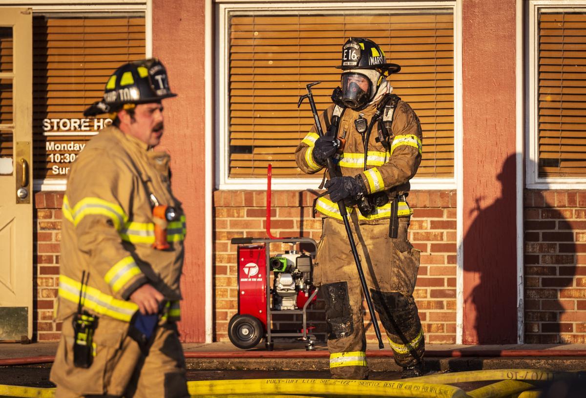 Fire damages landmark Mr  Barbecue restaurant in Winston