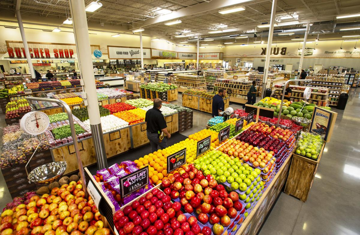 Promising to do the 'heavy lifting' for shoppers, Sprouts Farmers