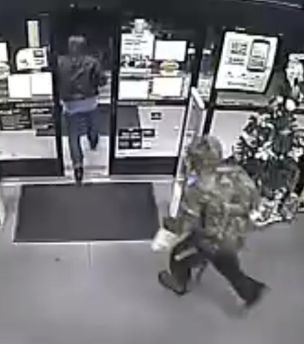 Possible robber at Reidsville Dollar General on Friday (1)