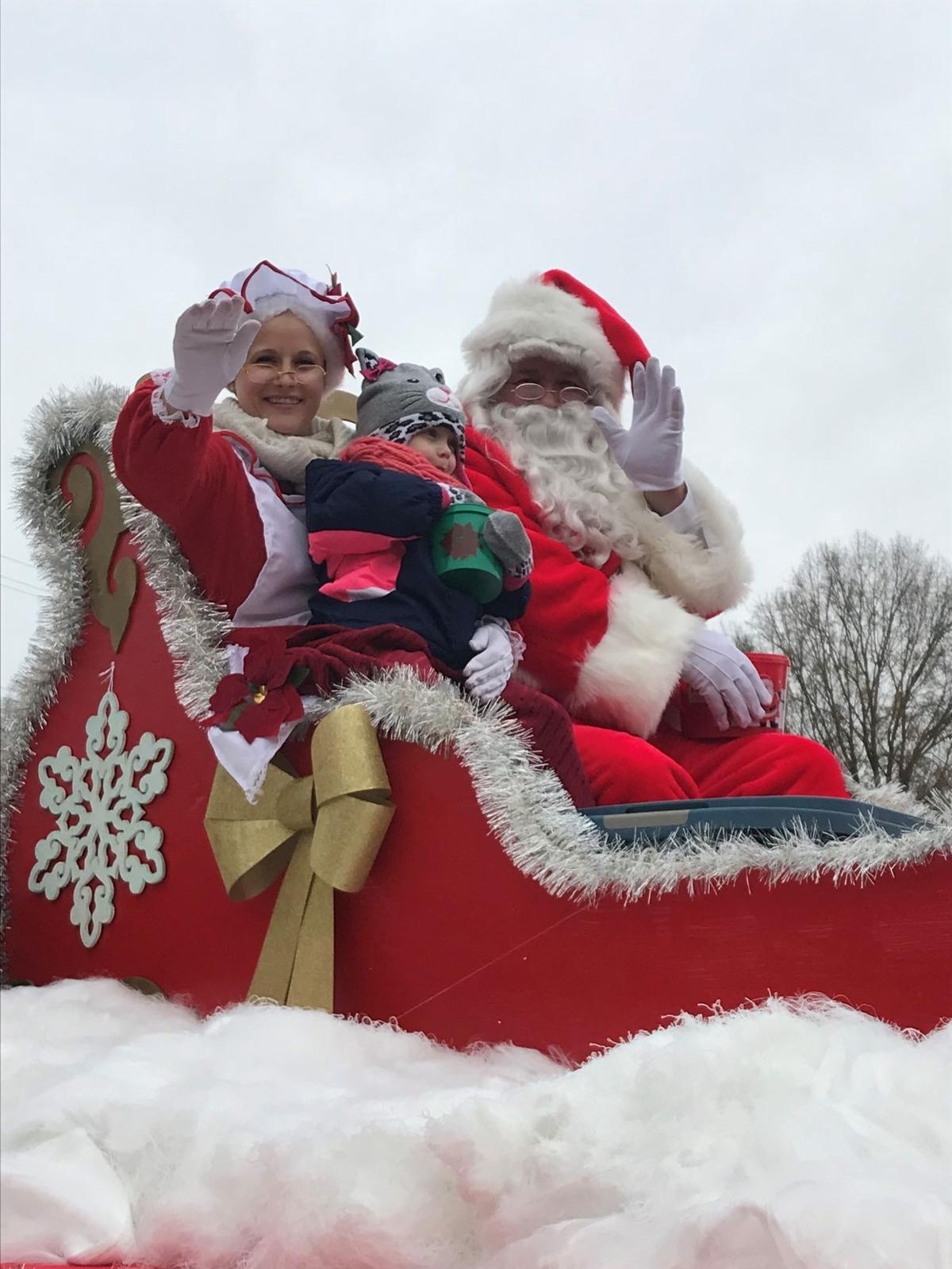 Madison Nc Christmas Parade 2021 Photos Madison Mayodan Christmas Parade Gallery Greensboro Com