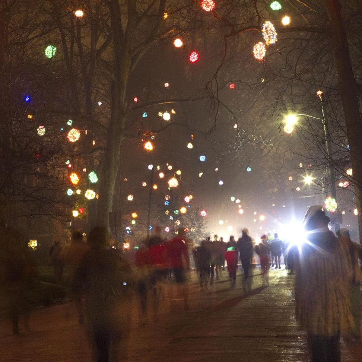 Best Christmas Lights Near Me.8 Count Best Places To See Holiday Lights Near Greensboro