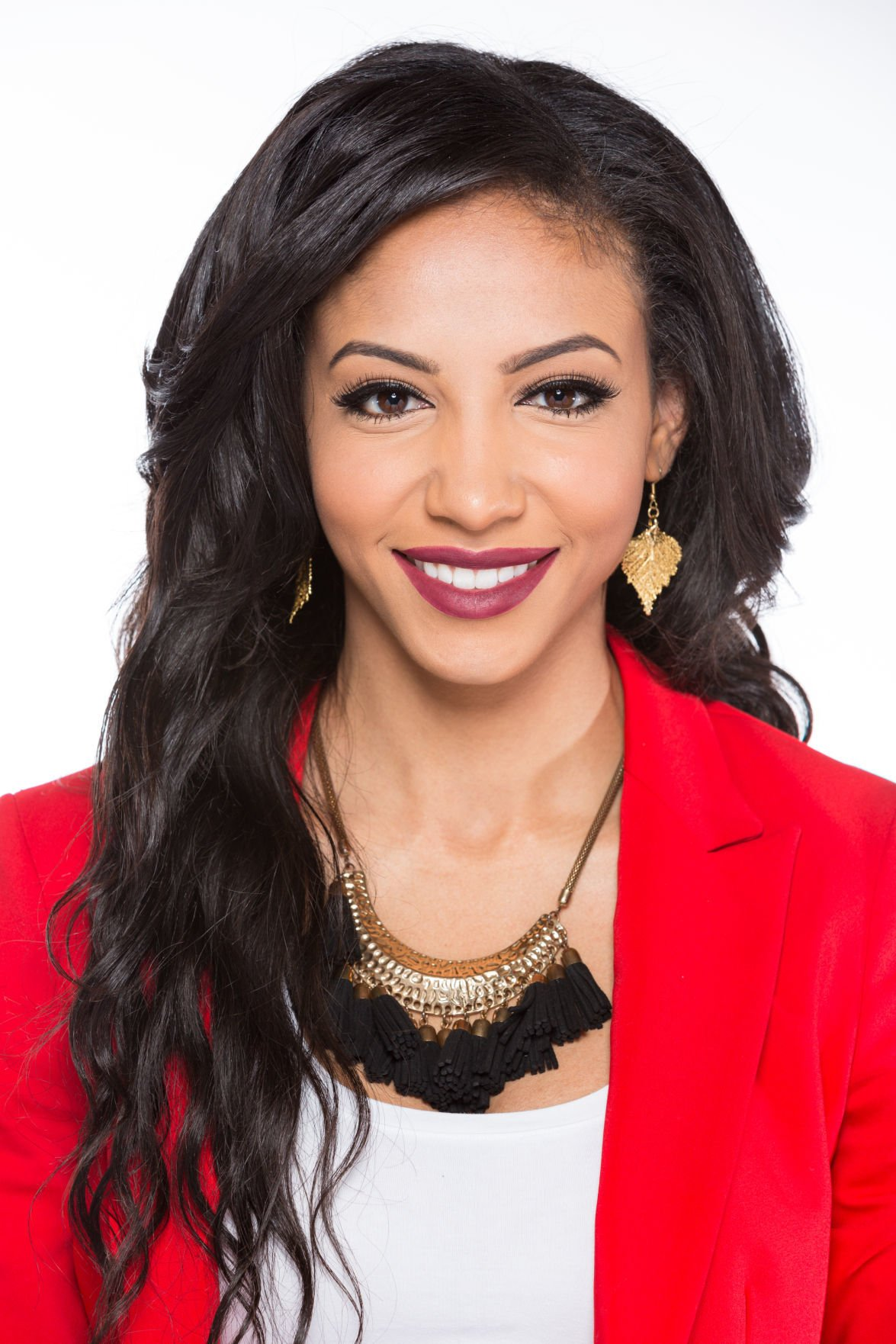 News 2 Greensboro >> 'She just is a force': Here's how Miss NC USA is using her crown for good in Charlotte   Z-no ...