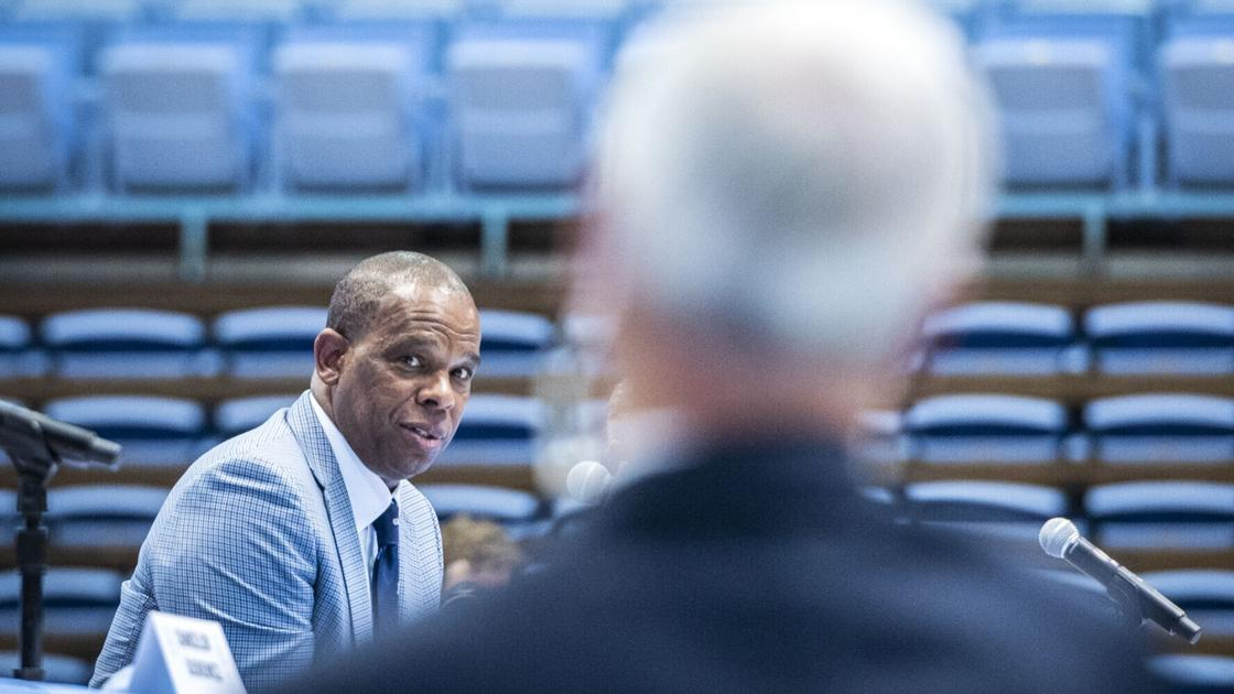 With Hubert Davis, North Carolina gets another head coach with an enduring love for his mentor