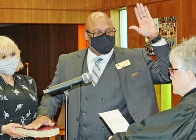 Simmons sworn in as GSCS superintendent