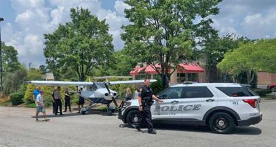 Plane makes emergency landing on highway in Peachtree City
