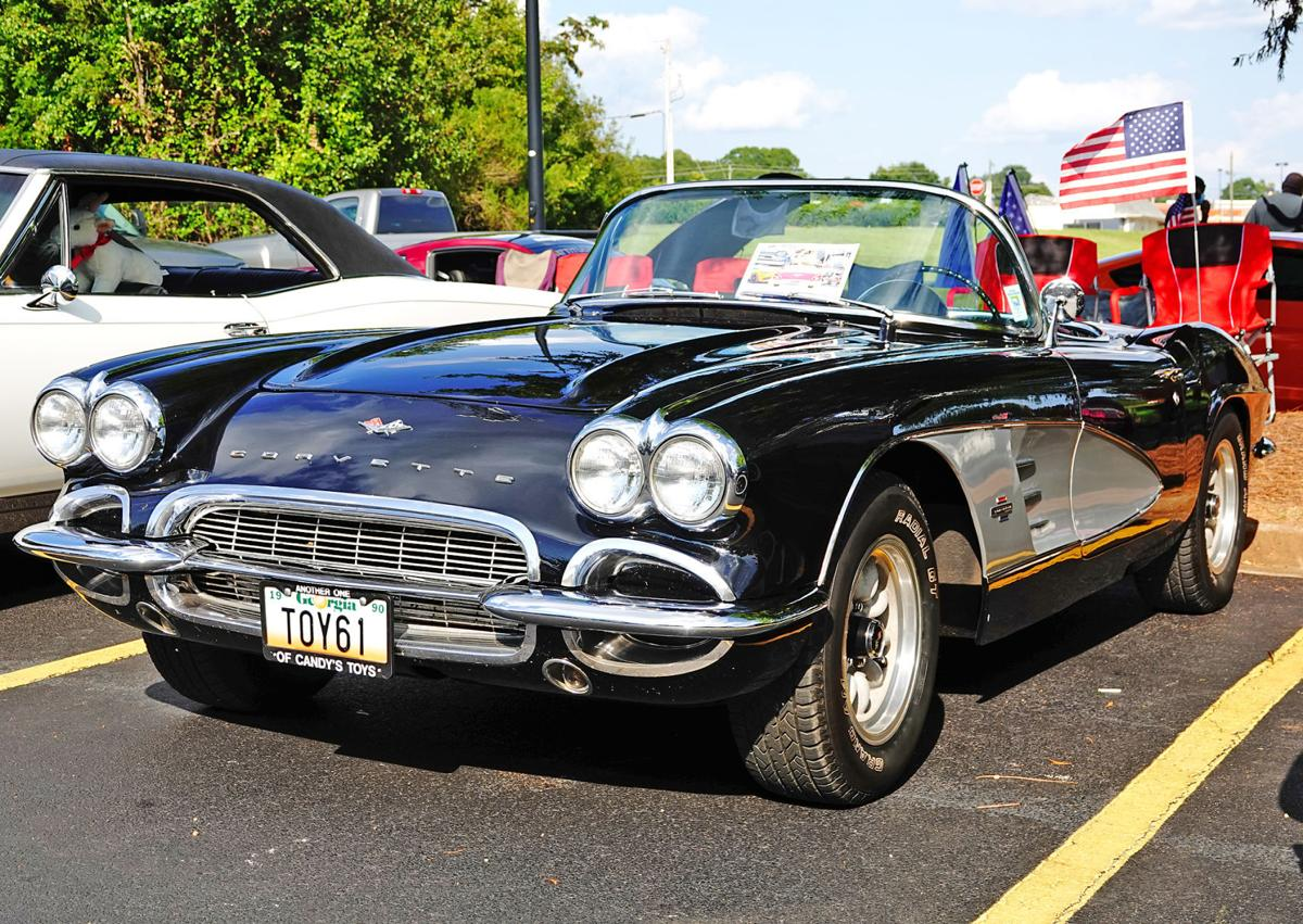 Southern Cruisers hold car show in remembrance of 9/11