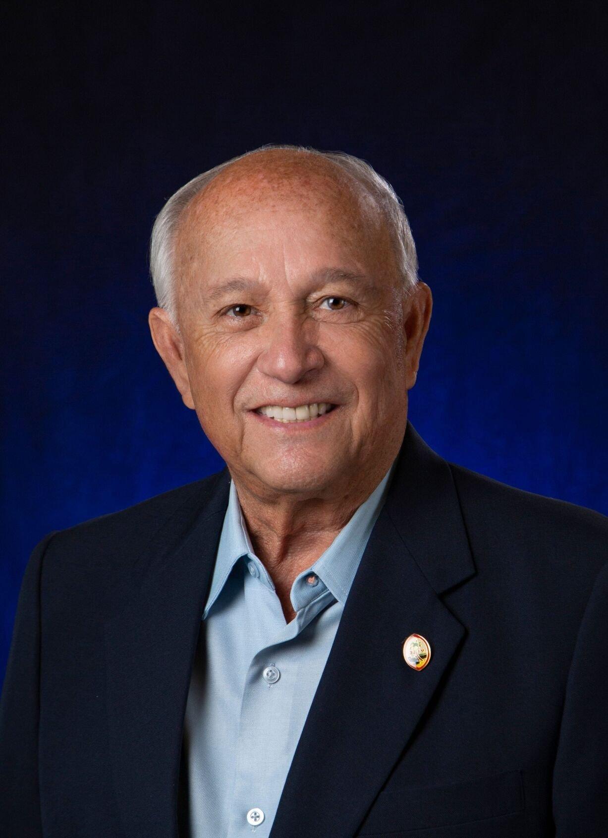 Former Governor Gvb President Ceo Carl T C Gutierrez