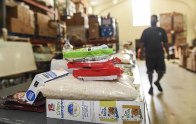 Salvation Army food distribution 05.jpg