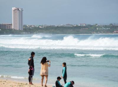 Surf Standalone 01