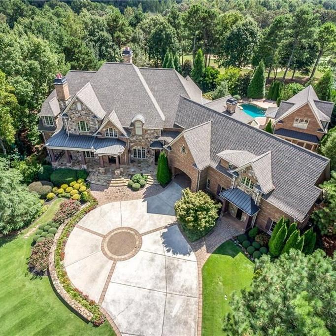 ON THE MARKET: Massive European estate in Braselton with 6 fireplaces, 3 laundry rooms for $1.9M