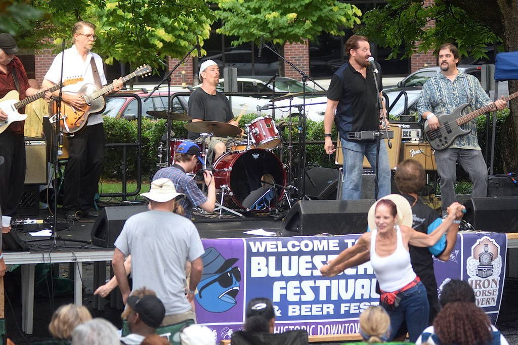 Norcross dances to the music during Bluesberry and Beer Festival