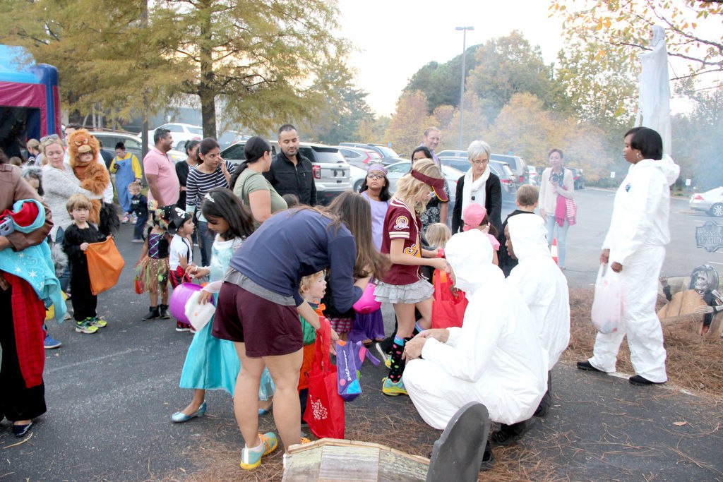 Thousands turn out for Johns Creek Police Department Trunk or Treat