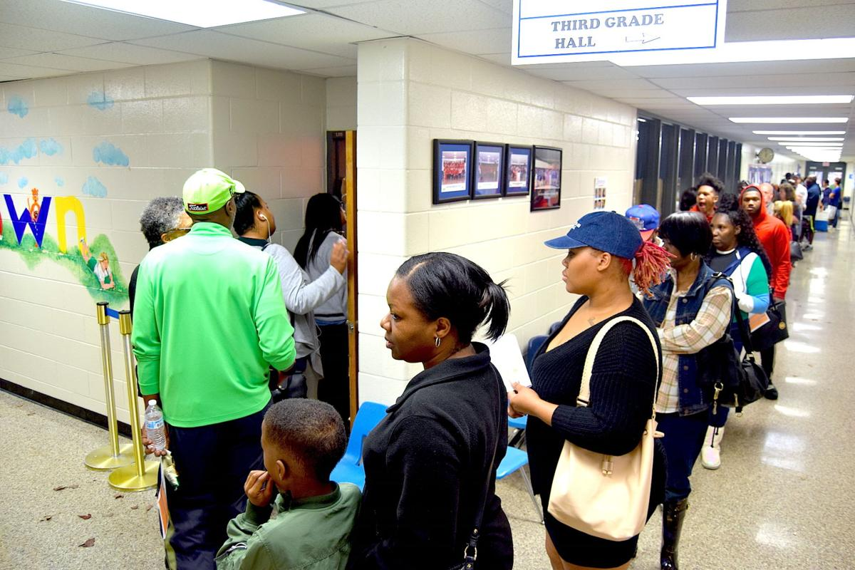 Judge orders once south Gwinnett voting precinct to stay open till 7:25 p.m.