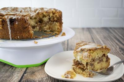 14868-VID-APPLE-CAKE-AR-A.jpg