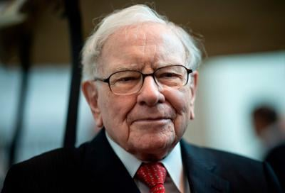 Warren Buffett doesn't need the Fed's help. But he's getting it anyway