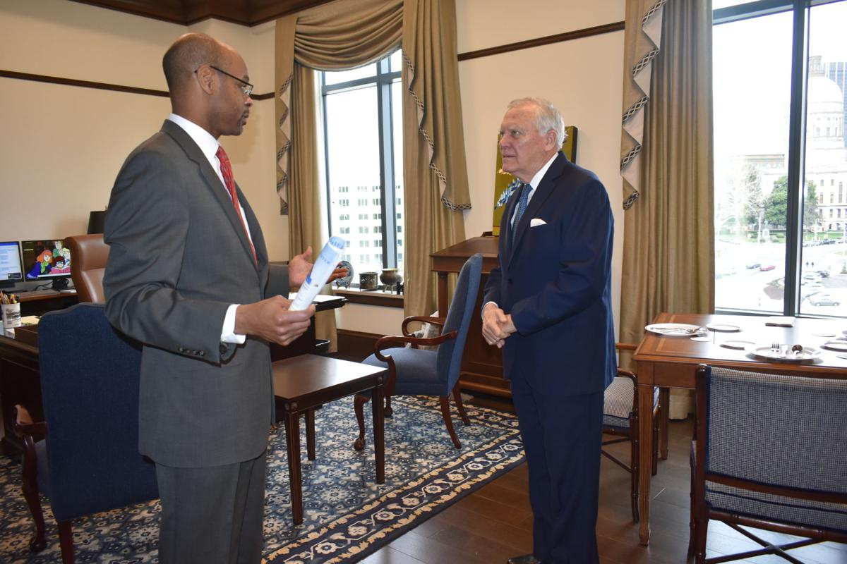 Former governor visits the new Nathan Deal Judicial Center