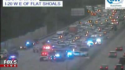 Major accident on I-20 West shuts down three lanes inside I