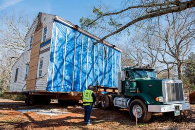 Hudson-Nash House makes big move to Yellow River Post Office site