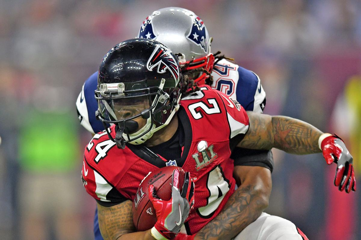 Falcons RB Devonta Freeman focused on football not contract