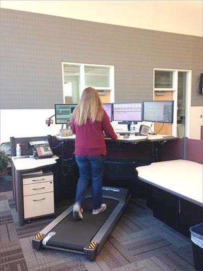 911 operators exercising during calls